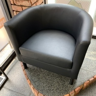 IKEAの1人掛けソファ SOLSTA OLARP ブラック