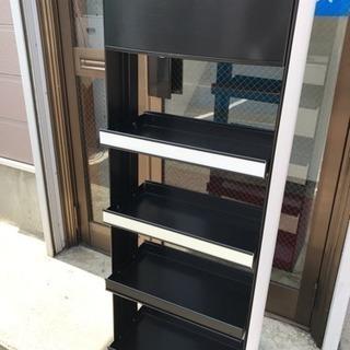 【札幌市引取り限定】ディスプレイ用スチールラック/飾り棚