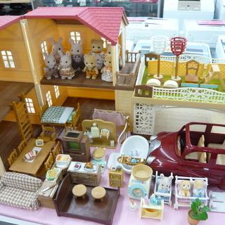 シルバニアファミリー 赤い屋根の大きなお家 家具 人形 車 お家...