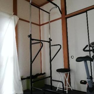 懸垂マシン(ぶら下がり健康器具)