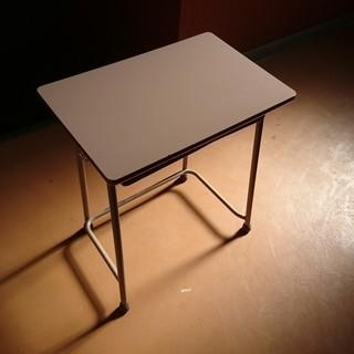 学校の机と椅子!使用感はあるけどほぼ美品。机7個、椅子8脚