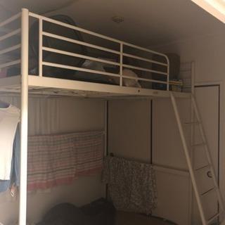 IKEAのセミダブルサイズのロフトベッド