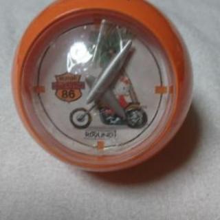 キティ オレンジ色 時計