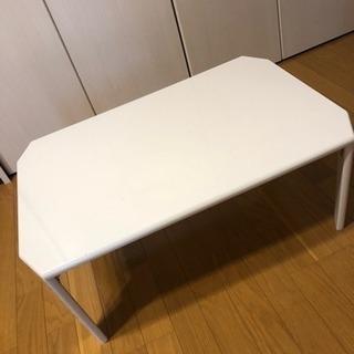 白のテーブル無料でお譲り致します^ ^