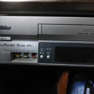 ビクター Victor VHS ビデオカセットレコーダー HR-F72