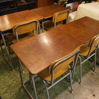 廃校になった後の学校机や椅子を譲ってください