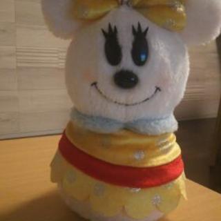 2013年にディズニーリゾートで購入した雪だるまミニーです。