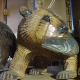 木彫りの熊 北海道 鮭 2 黄色