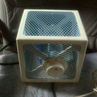 卓上扇風機です