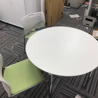 丸テーブル 椅子2脚付き