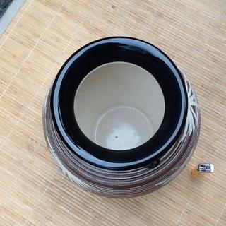 【三百円】状態の良い水英の壺、花瓶 花器、陶器 配達も可 - その他
