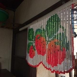 昭和レトロ♢イチゴ柄の玉のれん