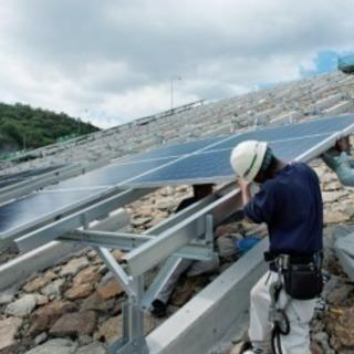 太陽光 パネル、架台設置作業