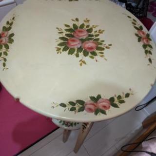ロマンティックカントリー丸テーブル