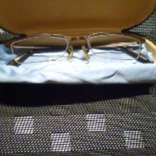 フレーム茶色 メガネ ケースつき