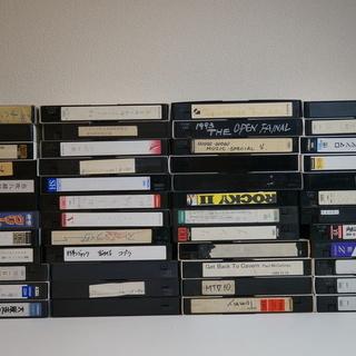 中古VHSビデオテープ 250本ちょっと ダンボール5箱分 - 本/CD/DVD