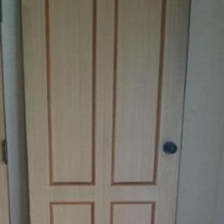 開きドア    建具   ①差し上げます