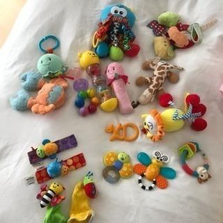 主に海外で買った赤ちゃん用のおもちゃです。