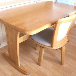 ● ダイニングテーブル・椅子(一脚) 茶・ベージュ ●