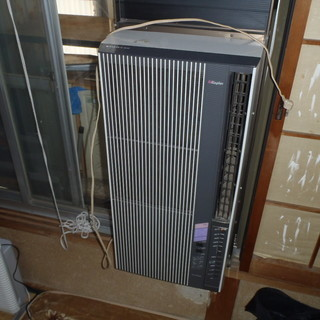 窓用冷暖房エアコン