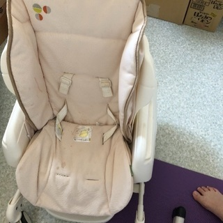 【洗い替えクッション新品付】テーブル付き 子供用椅子 ゆりかご【...