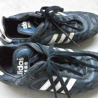 adidasサッカースパイク 26cm