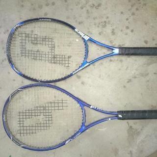 硬式テニスラケット差し上げます
