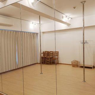大阪 堺筋本町 レンタルポールダンススタジオ/ポールダンス教室