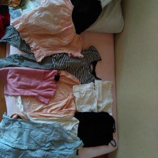 ブランド服、デート服、フリル、レース、リボン付の女子目の服