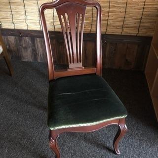 レトロな感じの椅子