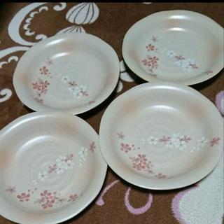 桜柄 陶器 4枚セット 新品未使用です(^ー^)