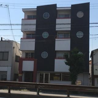 ★貸店舗・事務所★石津川駅6分 旧26号線に面す 1階路面店43㎡...