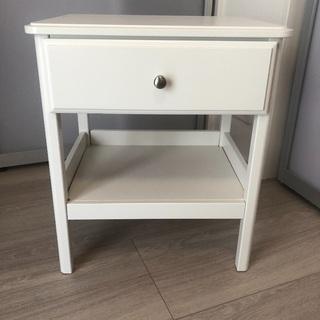 IKEA イケア TYSSEDAL ティッセダール ベッドサイドテーブル