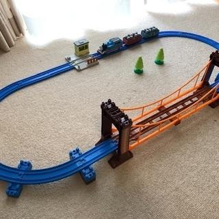 プラレール 機関車トーマスぐらぐら吊り橋セット他