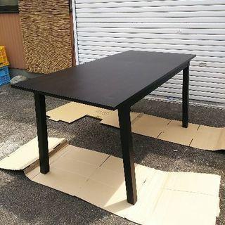 食卓テーブル