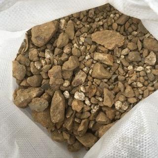 石、土  いりませんか?