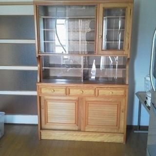 食器棚(水屋箪笥)木製、ガラス戸 引っ越しのためお譲りします。