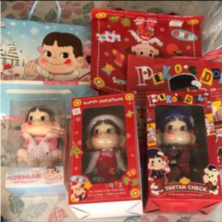 新品 ペコちゃん人形 スノボ タータンチェック クリスマス