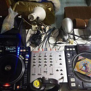 出張DJ(機材+音が綺麗に再生される特殊なスピーカー持ち込み可能)...
