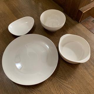 メイン皿4枚