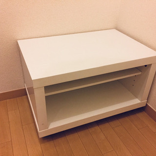 シンプルなテレビボードです。