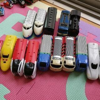 ダイソーの列車 15台