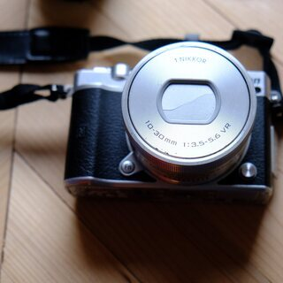Nikon ミラーレス一眼 Nikon1 J5 ダブルレンズキッ...
