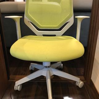 キャスター付きデスク用椅子