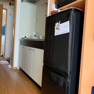 SHARP 冷蔵庫 1人暮らしサイズ 黒