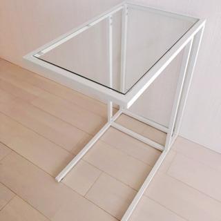 IKEA ガラステーブル ラップトップスタンド