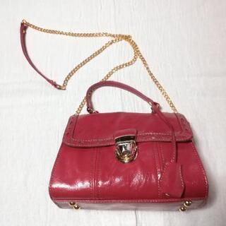 赤いミニハンドバッグ(鍵付き)