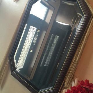 高級アンティーク調の大きめの壁掛け鏡