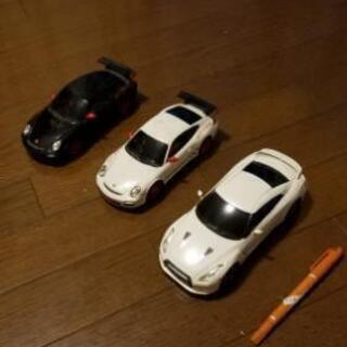 ラジコンの車のみ、3台、