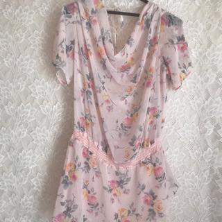 シフォン生地花柄ピンクのワンピースサイズ 38